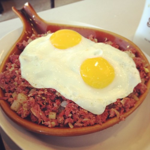 Cornbeef hash #cornbeef #delicious (at Silver Grill Cafe)