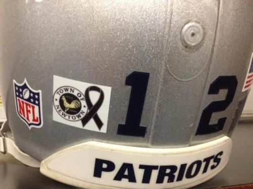 The decal that Tom Brady & the New England Patriots will be wearing today in honor of the City of Newtown and Sandy Hook Elementary.