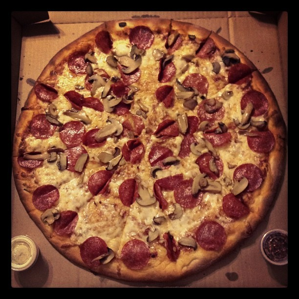Buena cena #dinner #pizza #pepperoni
