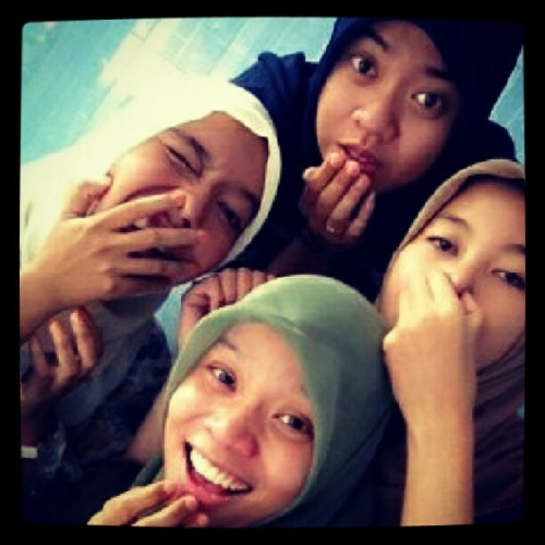 tersangka yg bikin males pulang #girls #friendship #bestfriend #sukoharjo #highschool #sweet #memories