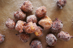 Churro Balls | HonestlyYUM