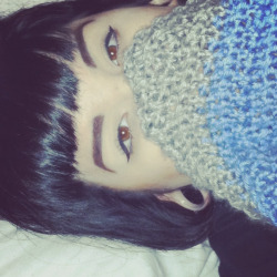marfmellow:  selenathefck:  HEY GUISE I CUT MY BANGS SHORT N I H8 MYSELF 4 IT  want those bangs
