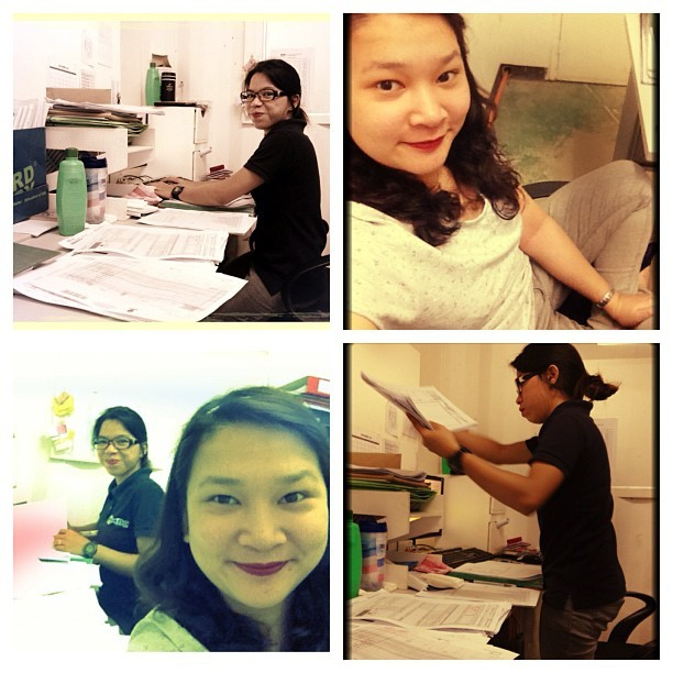 Cause she's working and I'm not. 😁😁😁 #work #bored #desk #docs #leah #tuesday