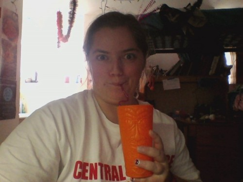 leesquee:  wow coming on to tumblr to brag about my awesome cup is soothing and not at all distracting me from my papers as i think of a clever description look at my cup isn't it great i love lemonade *eye twitch*  keep calm and listen to your power song lil homie