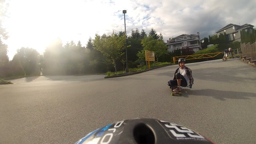 this-boarders-life:  parking lot races! kind of like skating parking garages but no covers and way more awesome!