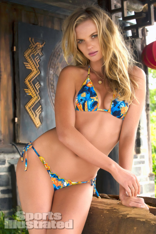 Anne Vyalitsyna for Sports Illustrated Swimsuit