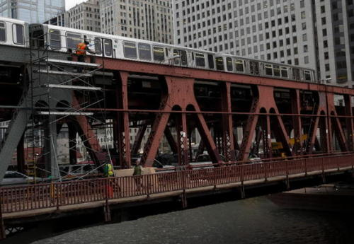 Just a reminder: Wells Street bridge construction starts tonight. If you take the Brown, Purple, or Red lines, expect it to mess with your commute all next week. We'll get through this together. WEEKEND! Read more here.