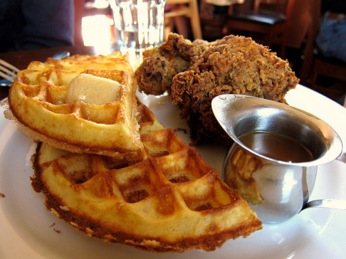 ethiopienne:  blessed be chicken and waffles.