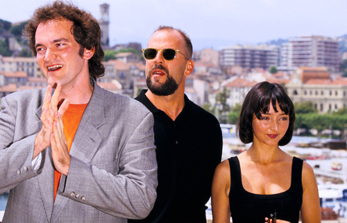 king-schultz:  Quentin Tarantino, Bruce Willis and Maria de Medeiros, Cannes, 1994