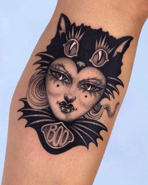 sara rosa blackw;cat;woman