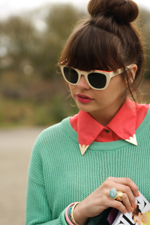 Mint and coral done right by blogger Iris of Fashion Zen!