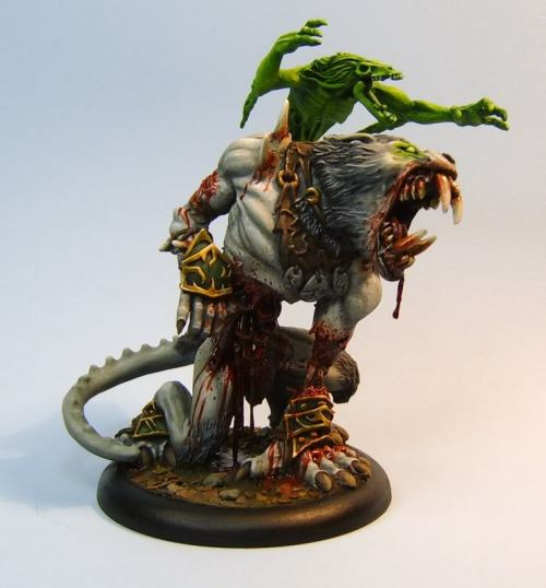 wargamergal:  innotune:  Zombie Warpwolf  Fucking wow!     Incredible conversion.  It uses the Pureblood Warpwolf, a Feralgeist model, and the head from the Extreme Feral Warpwolf.