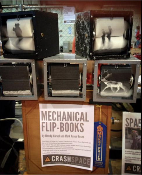(via FlipBooKit - Mechanical Flipbook Art and Kit by shinymind — Kickstarter) Such a cool DIY Project!