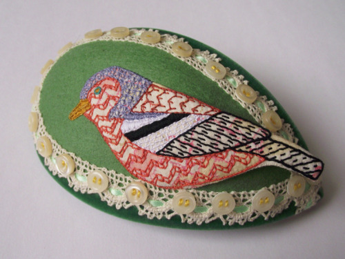 Chaffinch hat (by teasemade) An absolutely gorgeous chaffinch fascinator by Sami Teasdale.
