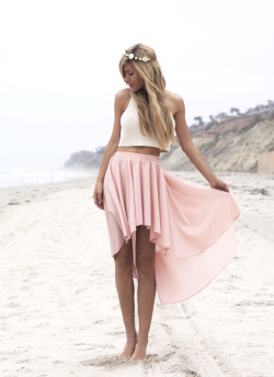 coastal-mermaids:  s-e-a-l-s:  vintage summer xo  Active vintage summer blog! 🌸