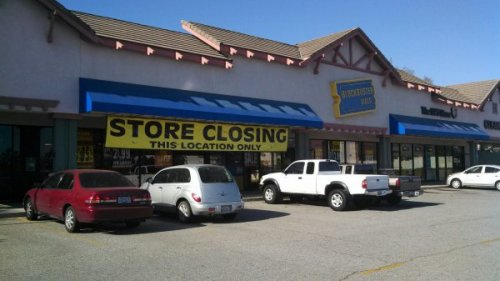 Looks Like Blockbuster is Still in Denial The first stage of grief should have passed by now.
