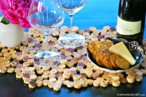 dulceetdecorus:  DIY: Cork Tile Placemat From Wine Corks