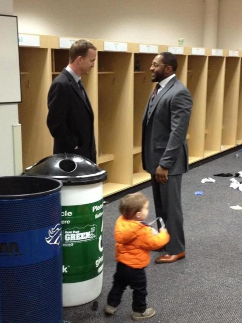 thescore:  Pic: Peyton Manning & his family congratulate Ray Lewis.