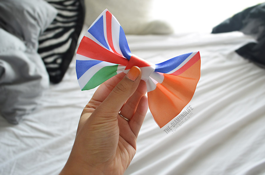 the-diamondlife:  Directioner Flag Hair Bow - $9.00 @ dimeycakes.com!
