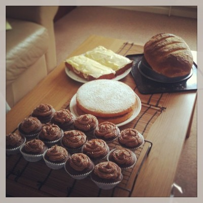 A productive morning shall we say…? @letseatcake #baking#bread#cupcake#chocolate#carrotcake#victoriasponge#bakeoff#cakeonsundays