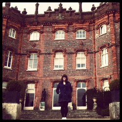Ma crib. #house #old #history #summer #girl #love #iphonesia  (at Hughenden Manor)