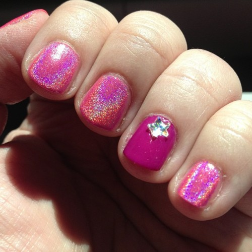 Oh pink holo how I love thee! #nailpolish #holographic