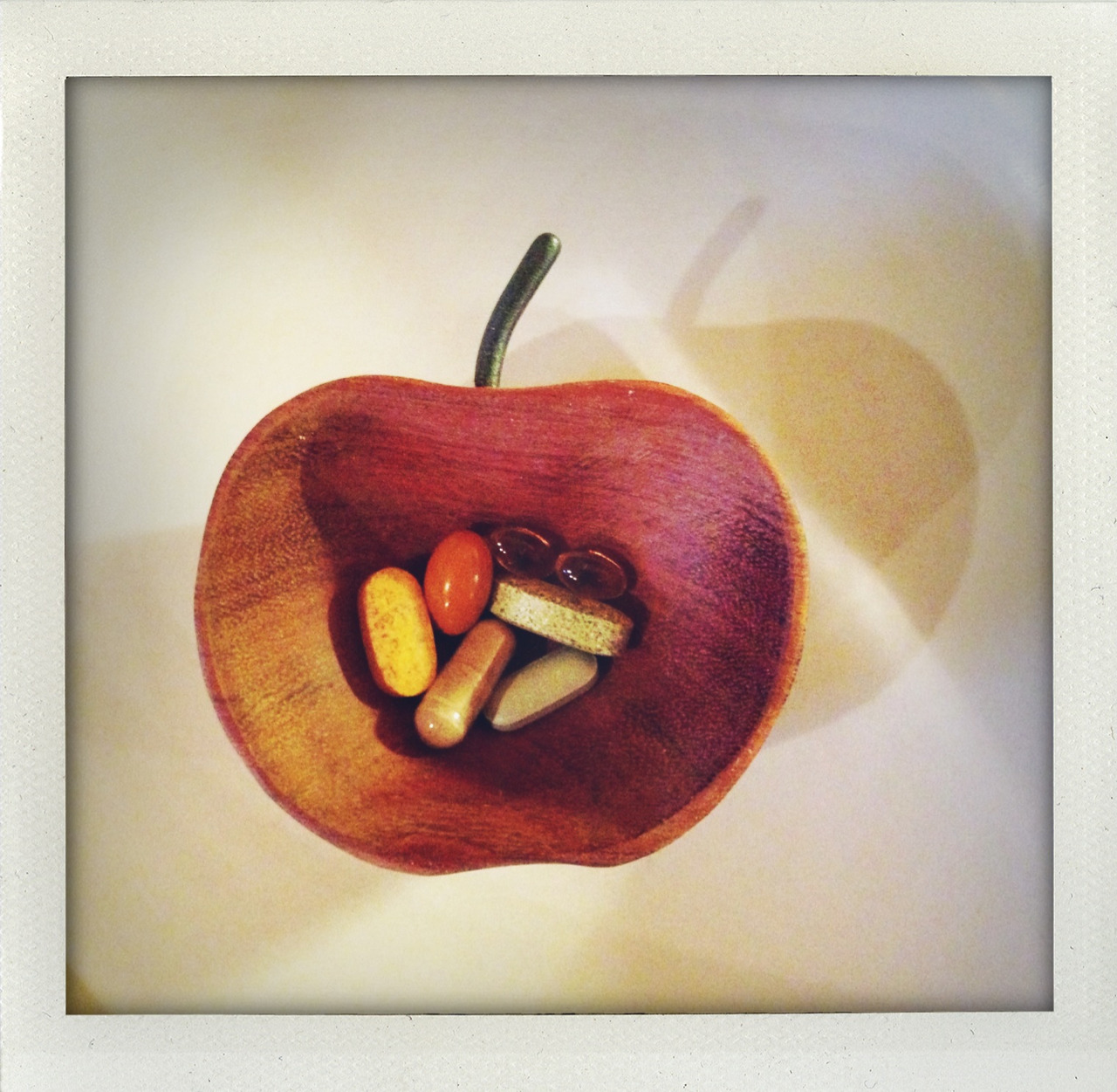 inezandvinoodh:  An apple a day! Goodmorning everyone! Kisses Inez