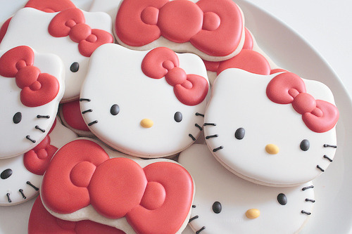 cinnahearts:  Hello Kitty with Bows (by SweetSugarBelle)