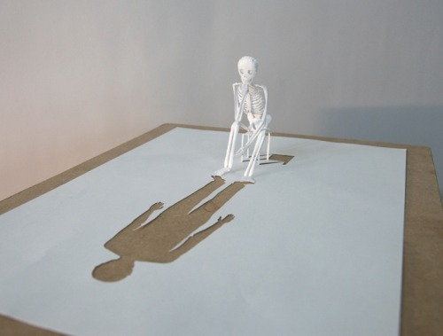 teiledesganzen:  loobilouu:  dnnyca:  Fallen.  Peter Callesen's work is amazing.  I particularly like the two in the second row.