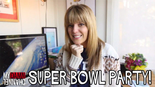 Daily Grace is here to teach you how to blend in at a Super Bowl Party! http://myda.mn/XnF1Ee