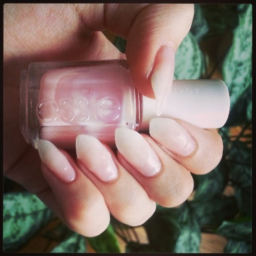 Essie - Sugar Daddy ♡ to fill & blend together