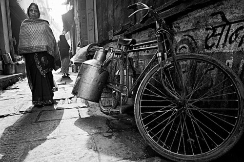 "Varanasi (India) 2011 © Rachel Carbonell This photo was featured in the prestigious web 121clicks.com: ""Inspiration"": 35 fantastic Indian Black &White street photographs"