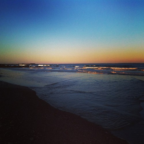 Daay-um.. It doesn't get any better than this. #beach  #sunset 👌