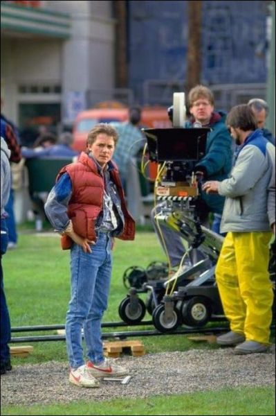 behindtheillusions:  Michael J. Fox and director Robert Zemeckis on the set of Back to the Future (1985).
