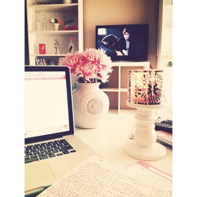 meghanrosette:  My study view: Burning candle, flowers & Law and Order SVU 💗🌸🔫 …why yes…these are my interests… #girlygirllovescrimeshows