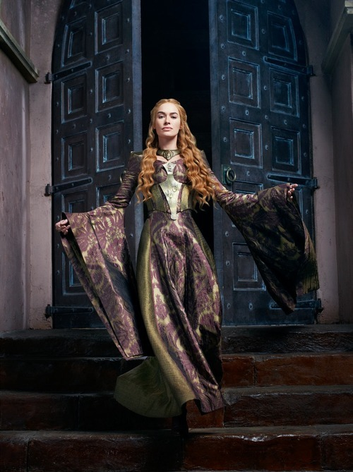 fra-sjo:  vickygray:  Lena Heady as Cersei Lannister.  fra-sjo: Need this dress.