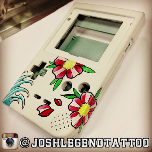 Could you help my buddy's Gameboy art out? <3 he's been tattooing me for awhile and he's going to be making Mario/Zelda themed Gameboys! nerdtastic I say! Done :)