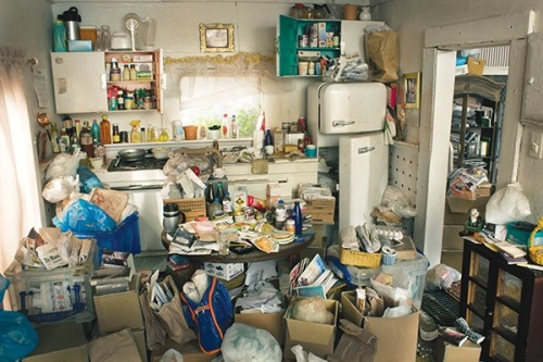 Hoarding is both more widespread and nuanced then we often pretend.                (via The Surprising Science Behind Hoarding)