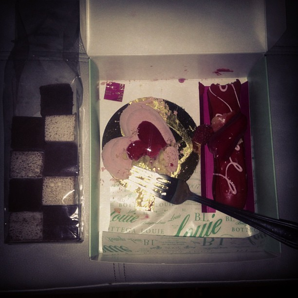 Destroyed. #sweets #eats #valentinesday 💕
