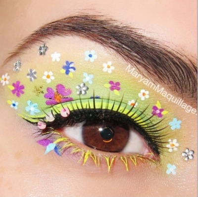 drugstoreprincess:  I had to share this GORGEOUS eye look by MaryamMaquillage (MaryamMaquillage.com, found on @Limecrimemakeup IG) I can't wait for spring! And this is an in-your-face-haha for those of you who, for some inexplicable reason, don't understand that makeup truly is a form of art.  <3