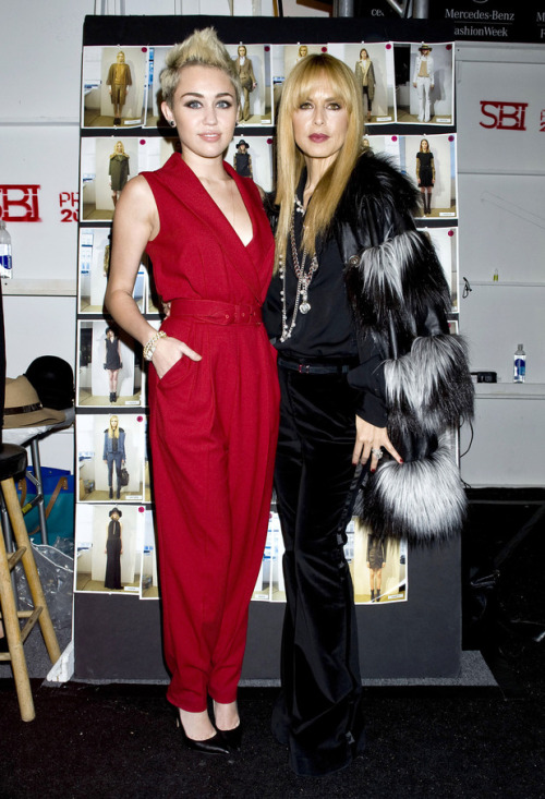 Miley Cyrus poses with Rachel Zoe at Zoe's show for New York Fashion Week.