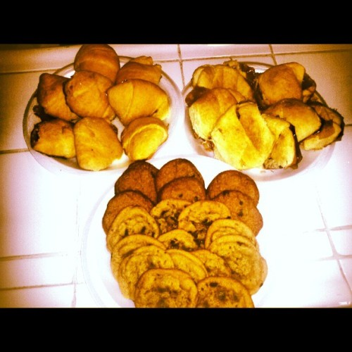 Made #Cookies & # HocusPocus this is what is left. I Soo full now. Time for a nap :-)