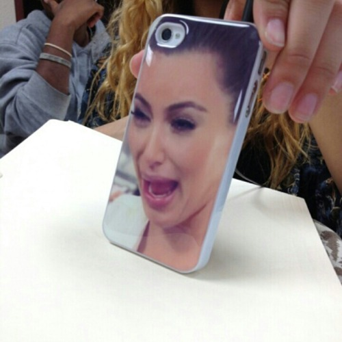 dumbfangirl:  THIS GIRL IN MY SCHOOL HAD THIS CASE AND WHEN I SAW IT I STARTED TEARIN UP BECAUSE ISN'T IT JUST THE BEST THING