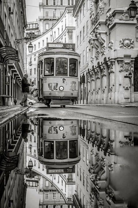 rafasthings:  The 28.  Lisbon, Tram DreamLand.