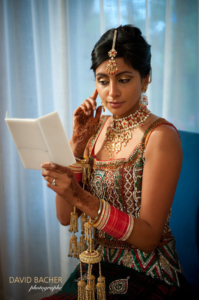 Feel free to have a look at this beautiful Indian wedding that I photographed last summer on the blog Vraimariage. You may also see the photos on wedding photographer Geneva.