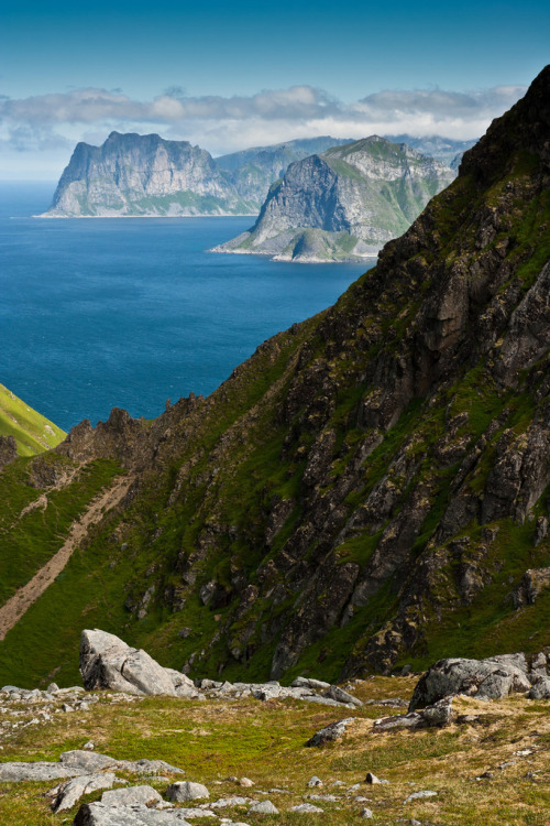 touchdisky:  Lofoten Islands, Norway by Bastien Boutonnet