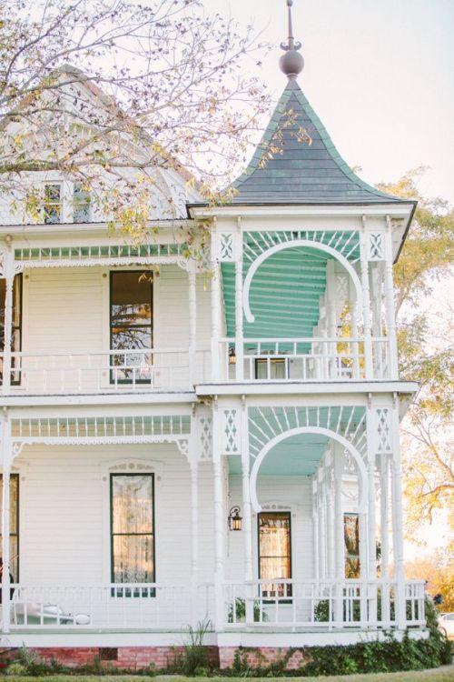victorian victorian house Architecture Preppy style preppy classic class