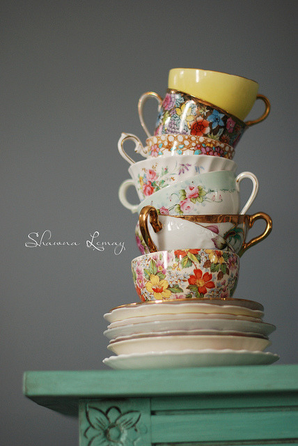 booksandtea:  in the cups again by Shawna Lemay on Flickr.