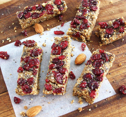 beautifulpicturesofhealthyfood:  Cranberry Chia Energy Bars (raw, vegan, gluten free)…RECIPE