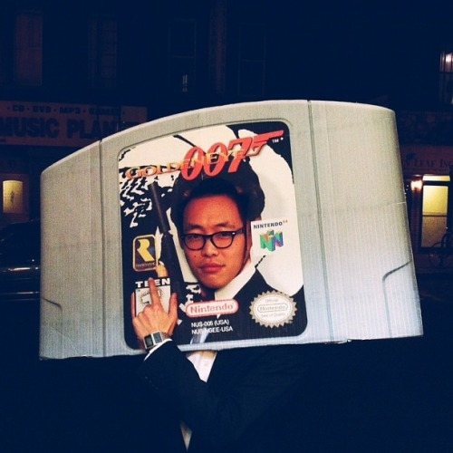 dpstyles:  gamefreaksnz:  This is the greatest costume ever.  Like.  Full of win.